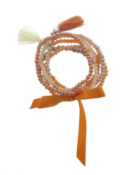 Bracelet -Multi rangs perles avec nœud satin et pompon.