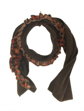 Scarf - Fleece with flounce and wooden button decoration.