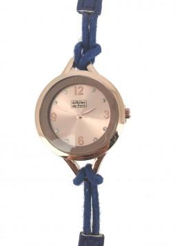 Montre - Bracelet fin avec cordon cadran épais.