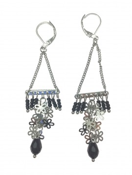 Earrings - Beads and flowers cluster.
