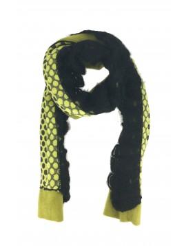Echarpe - Avec pois et bord crochet style dentelle.