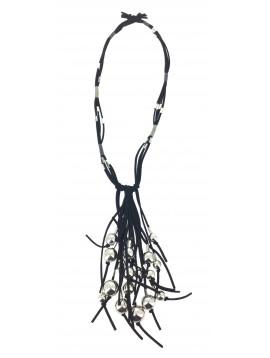 Collier Long - Multi rangs façon cuir avec grosses perles en métal.