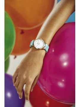Wristwatch - Flowered bracelet and round dial.