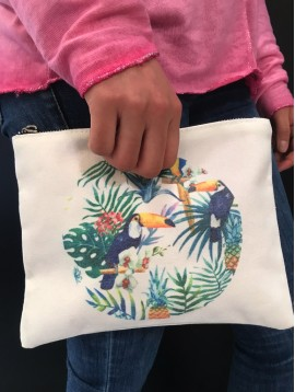 Clutch bag - Plain color with toucans printing.