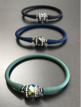 Bracelet - Gomme avec perle facette et strass