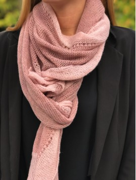 Scarf - two-tone scarf in fine knit.