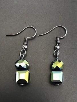 Boucles d'oreilles - Perles facettes rondes et carrés.