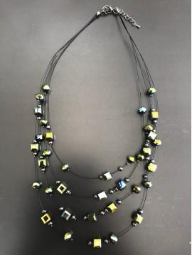Collier - Multirangs avec perles facettes rondes et carrés
