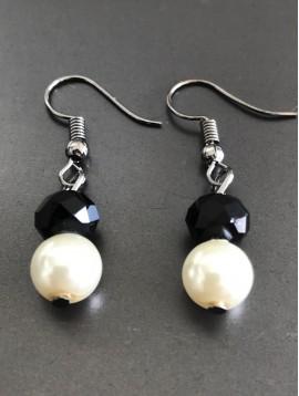 Boucles d'oreilles - Perles facettes et rondes.
