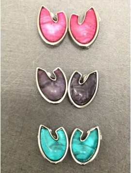 Boucles d'oreilles - Croissant stylé en résine.