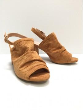 Sandales - Unies façon daim perforée à talons .