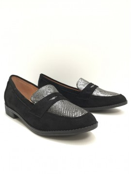 Mocassins - Suede style with reptile toe cap decoration.