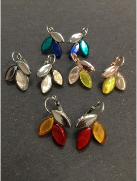 Earrings - Metallic and resin leafs charms.