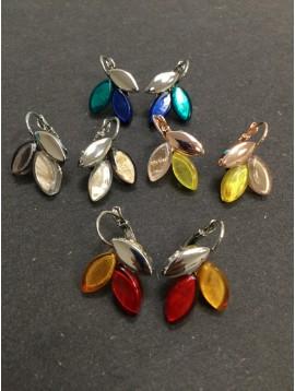 Boucles d'oreilles - Feuilles en résine et métal.