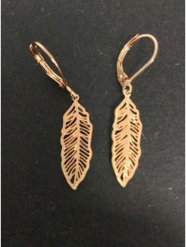 Boucles d'oreilles - Plume métallique ajourée.
