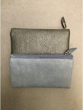 Wallet - Supple model plain color wrinkled look.