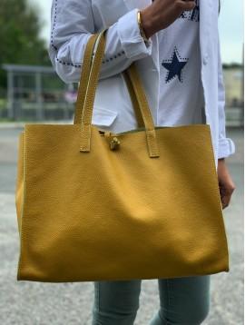 Leather shoulder bag - Plain color full grain with strips.