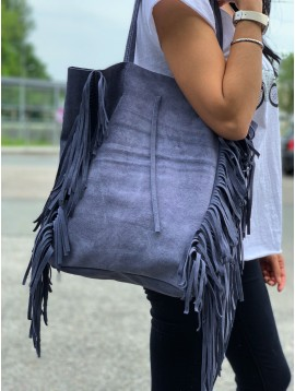 Leather shoulder bag - Supple plain color suede style with tassels.