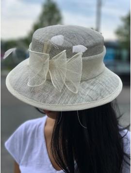Chapeau sisal cloche plumes