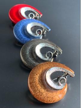 Broche - Spirale en résine et métal