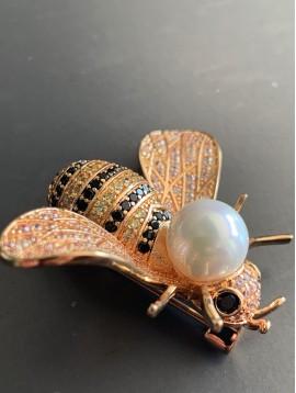 Broche - Abeille strass avec grosse perle dessus