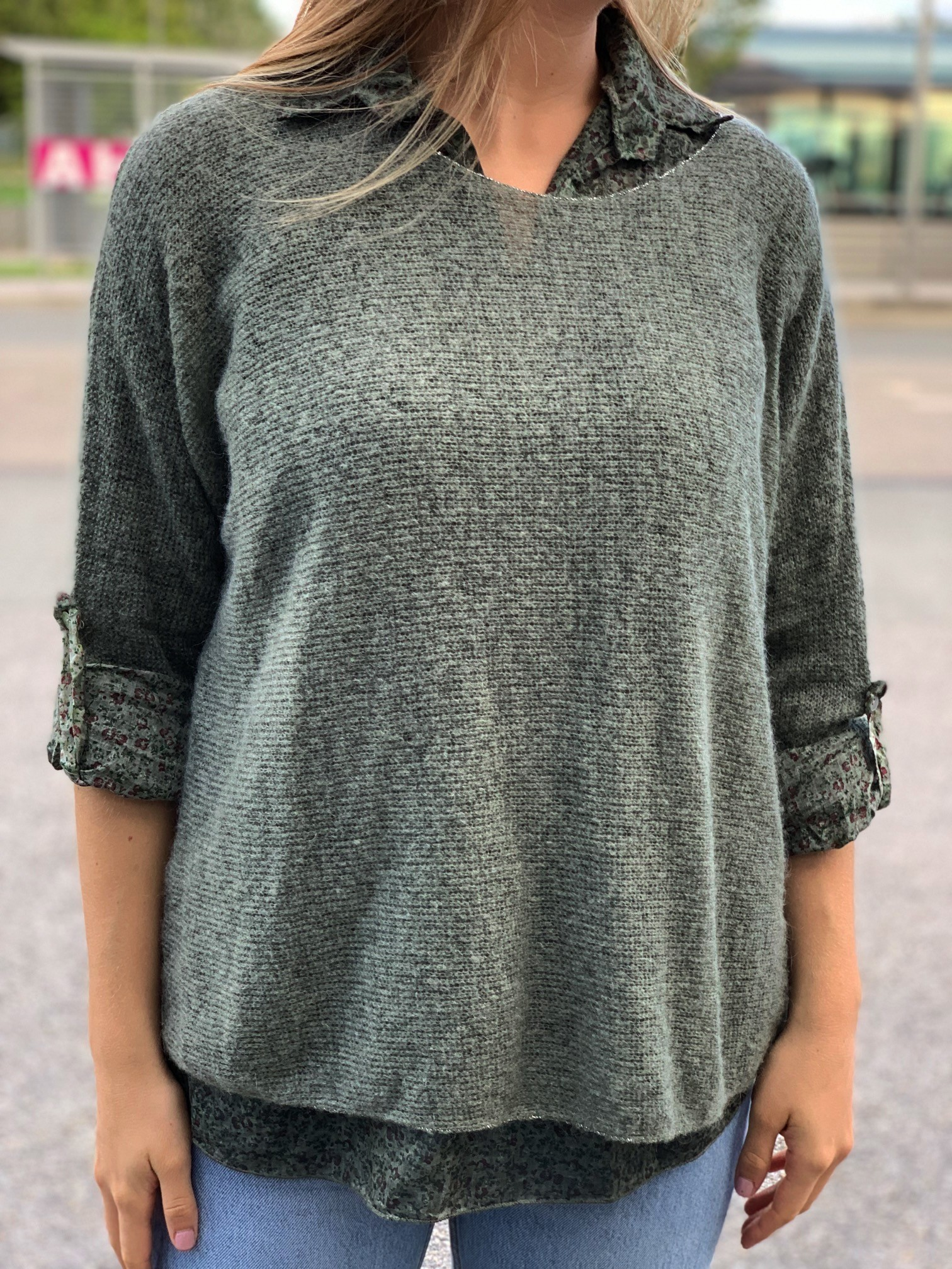 Pull tricot manches longues doublure chemise fleuri