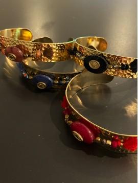 Bracelet Acier - Jonc ouvert ovale facette/perles/pompons fils