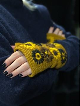 Mitaines laine avec fleurs