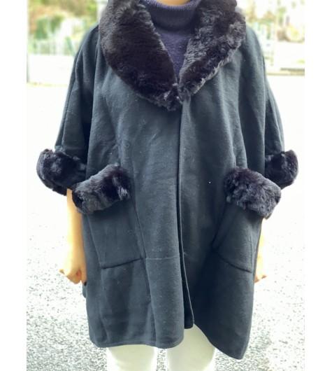 Manteau uni avec bord col/manches/poches en fourrure synthétique