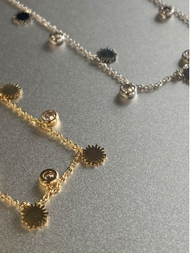 Collier Acier - Petits soleil et strass sur chaine fine
