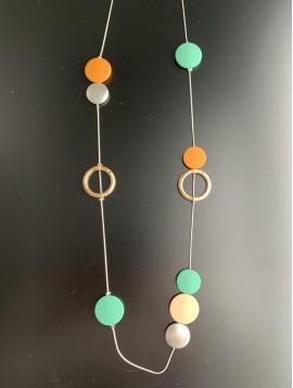 Collier Long - Pastilles façon peau de pêche et anneaux métal