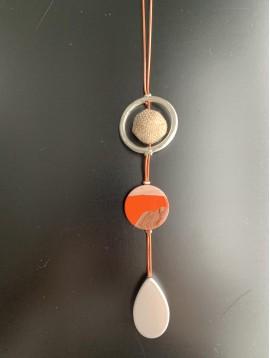 Collier Long - Boule toile de jute/goutte métal/pastille résine différ