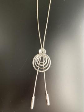 Collier Long - Cercles concentriques en métal avec perles tubes pendan