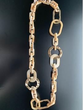 Collier Long - Ovales en résine et anneaux métal