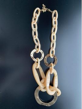 Collier - Ovales en résine et anneaux métal