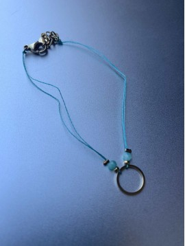 Bracelet Acier - Anneau avec perles à facettes sur fil très fin