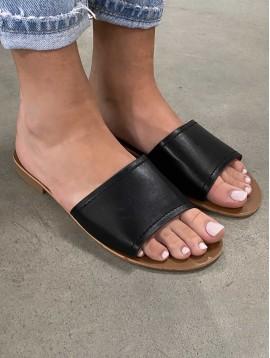 Nu pied chic