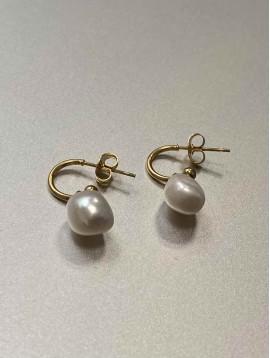 BO Percées - Anneaux dorés avec perles naturelles pendantes