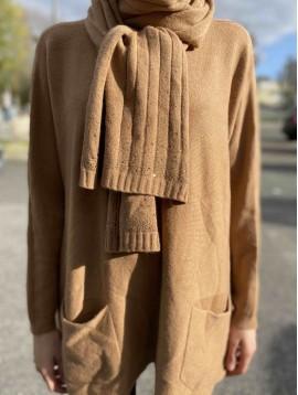 Pull/tunique 2 poches et écharpe avec strass