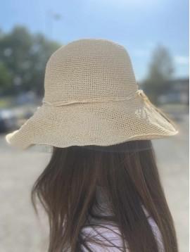 Chapeau style clochet avec lien