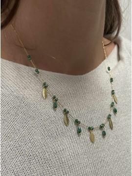 Collier Acier- Petites feuilles gravées pendantes et perles sur chaine