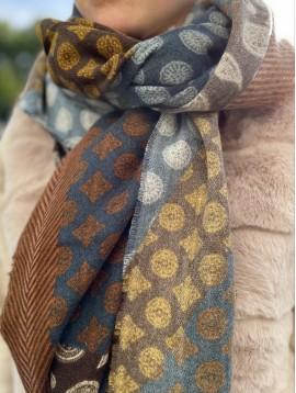 Echarpe en laine multi-motifs avec bords éfilés
