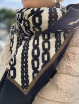 Echarpe en laine motifs chaines avec contours et bords éfilés